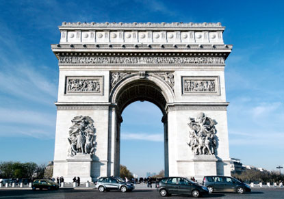 Paris Explorer - Independent Tour with Eurostar & Hop-on Hop-Off Bus