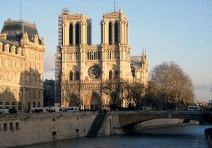 The Magic of Paris with Hop-on Hop-Off & River Cruise (Escorted from London)